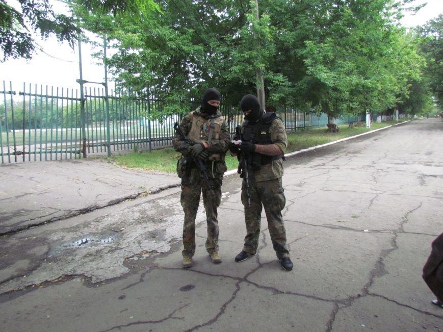 В Мариуполе «черные человечки» обещали защищать город  (Фоторепортаж), фото-5