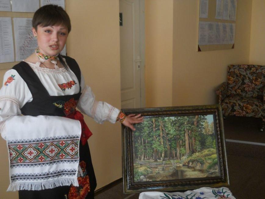Осужденные Черниговской исправительной колонии показали свои таланты вышивальщиц, фото-1