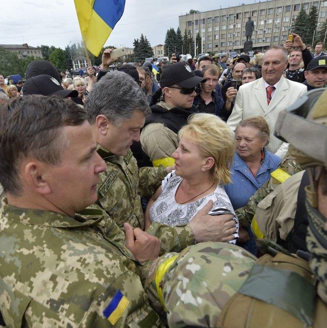 Петр Порошенко в Славянске (ФОТОФАКТ), фото-2