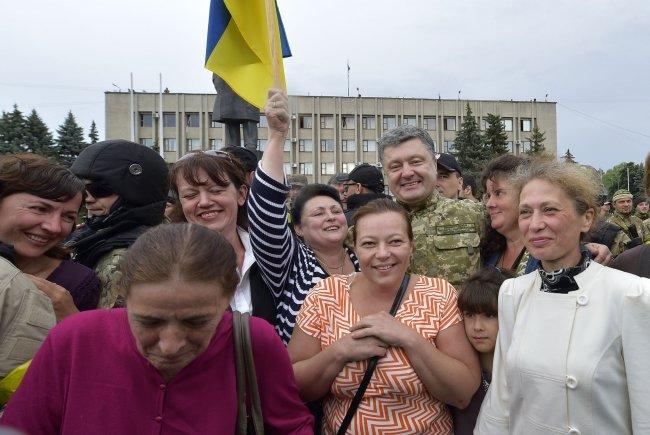 Петр Порошенко в Славянске (ФОТОФАКТ), фото-6