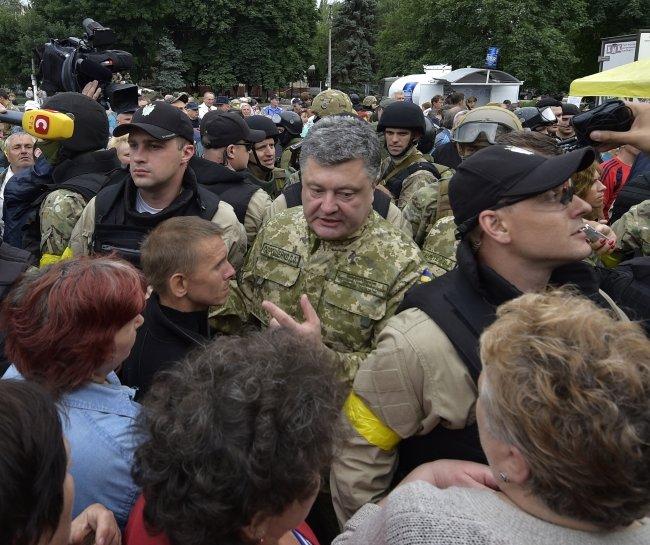 Петр Порошенко в Славянске (ФОТОФАКТ), фото-1
