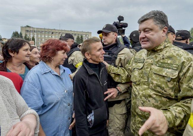 Петр Порошенко в Славянске (ФОТОФАКТ), фото-4