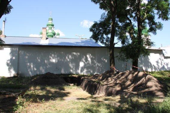 Возле Елецкого монастыря в Чернигове нашли снаряд, фото-3