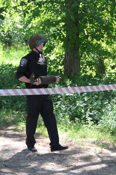 Возле Елецкого монастыря в Чернигове нашли снаряд, фото-1