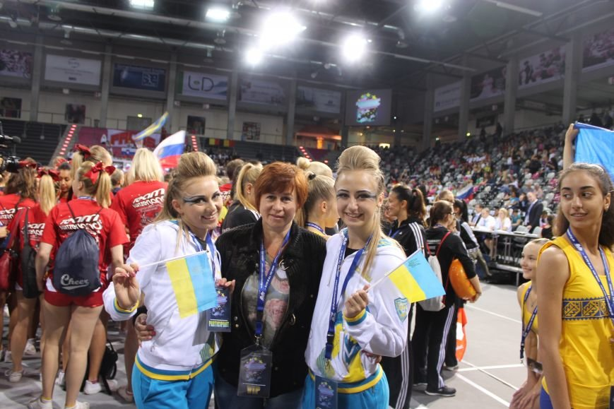 Красноармейские спортсменки в составе сборной Украины достойно выступили на чемпионате Европы по черлидингу, фото-1