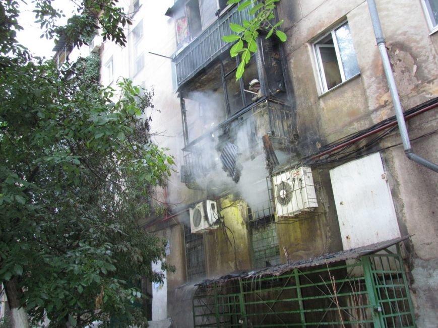 В Мариуполе неизвестные разбили витрины и устроили пожар в магазине (ФОТО), фото-27