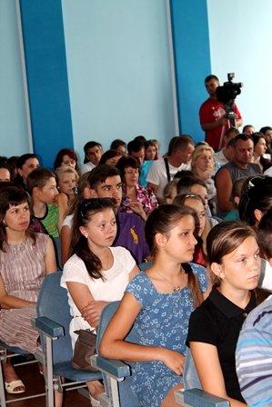 На Рівненщині переможці Всеукраїнських заходів отримали 150 премій (Фото), фото-1