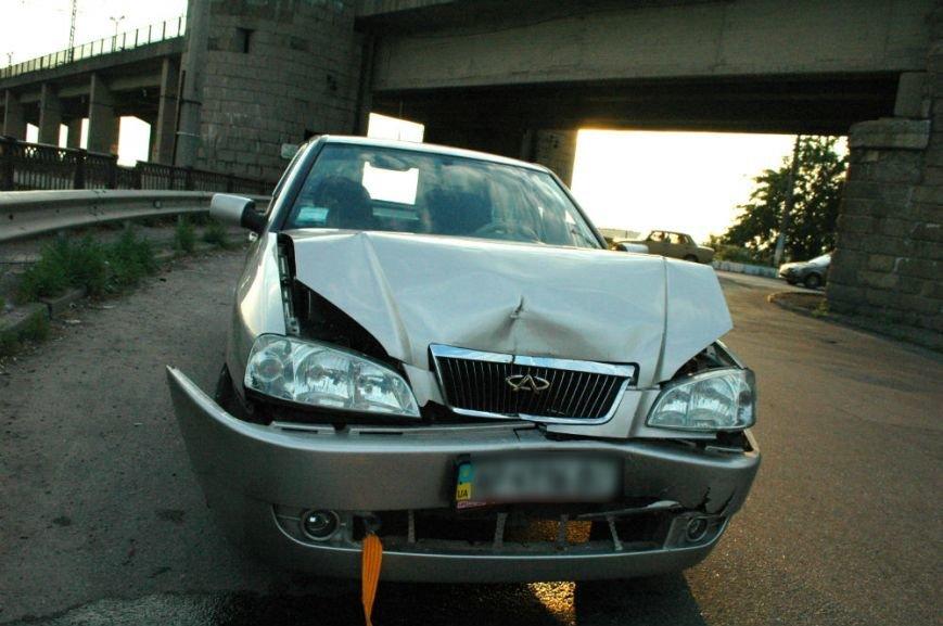 Подробности ДТП на мосту в Запорожье: водителю легковушки стало плохо за рулём (ФОТО), фото-1