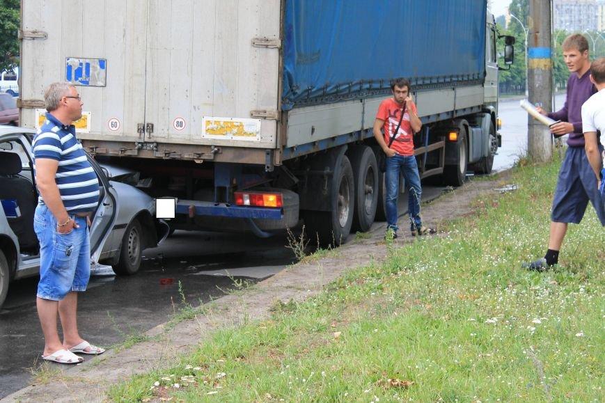 В Сумах на Харьковский Daewoo напоролся на стоящую фуру (ФОТО), фото-4