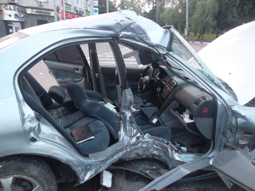 В Сумах пьяный водитель из России врезался в столб. Умерла пассажирка (ФОТО), фото-13