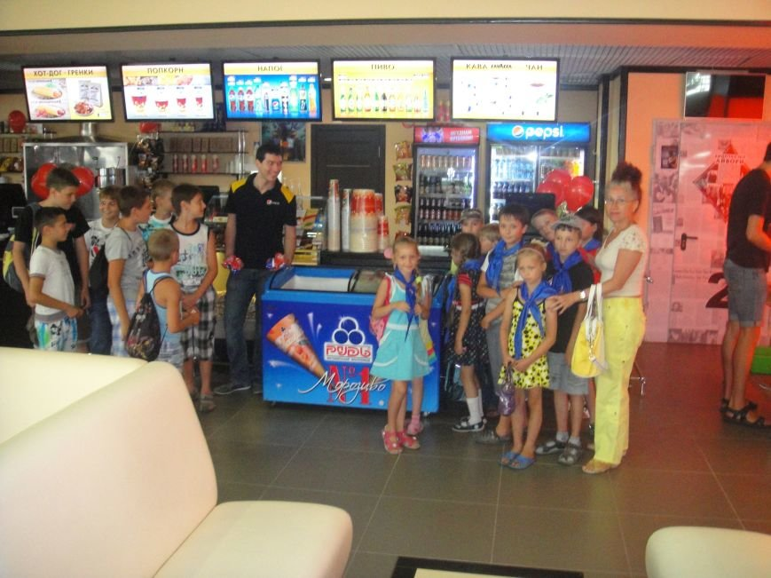 Кинотеатр «Мультиплекс» провел благотворительную акцию для детей, фото-5