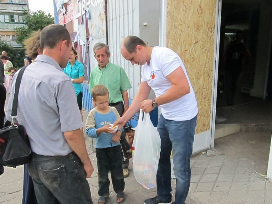 Сумы-Славянск. В освобожденный от боевиков город прибыла гуманитарная помощь для «детей необъявленной войны» (ФОТО), фото-9