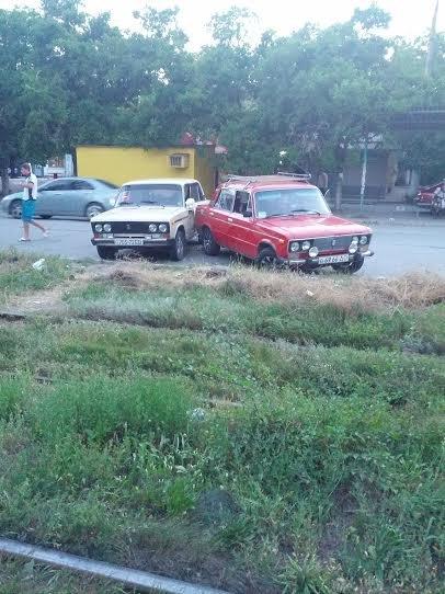 В Мариуполе две  «шестерки» не поделили улицу Гугеля (Фотофакт), фото-2