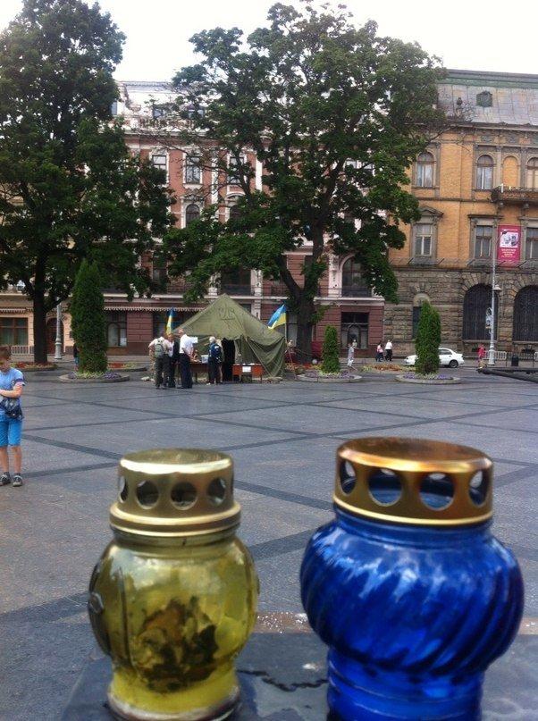 У центрі Львова створили пункт допомоги солдатам та їх сім'ям (ФОТО), фото-3