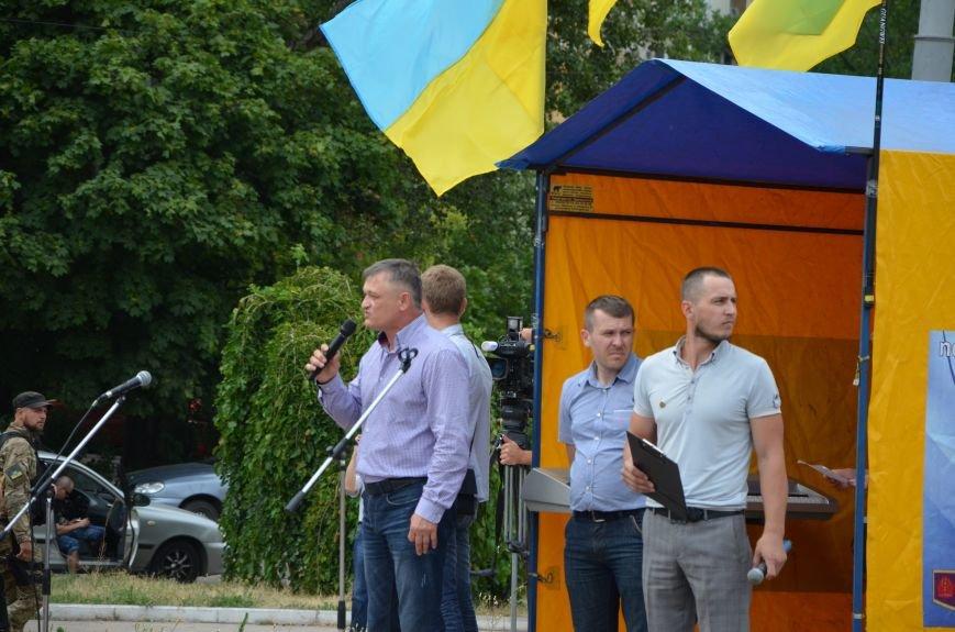 В Мариуполе растянули самый большой флаг Украины (ФОТОРЕПОРТАЖ), фото-3