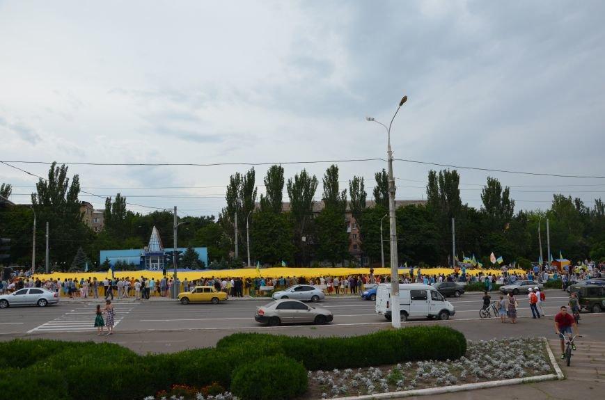 В Мариуполе растянули самый большой флаг Украины (ФОТОРЕПОРТАЖ), фото-23