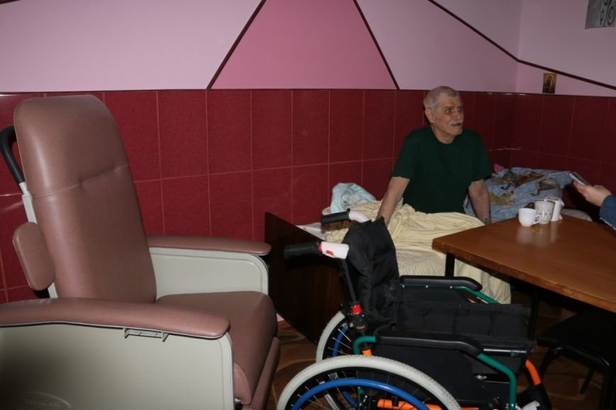 Пристроить одинокого черниговского старика в хорошие руки – дело хлопотное и денежное, фото-5