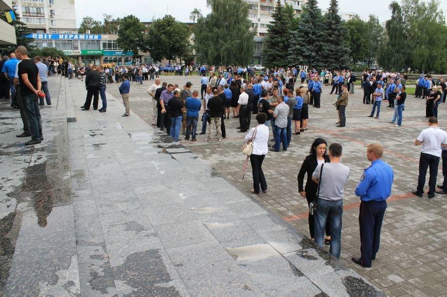 Более 2 тысяч сумчан провели в последний путь «беркутовца», погибшего от противотанковой мины террористов (ФОТО), фото-11