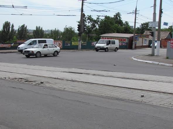 В Мариуполе на пост-мосту не разъехались «Дэу», «Лада» и «КИА» (ФОТО), фото-4