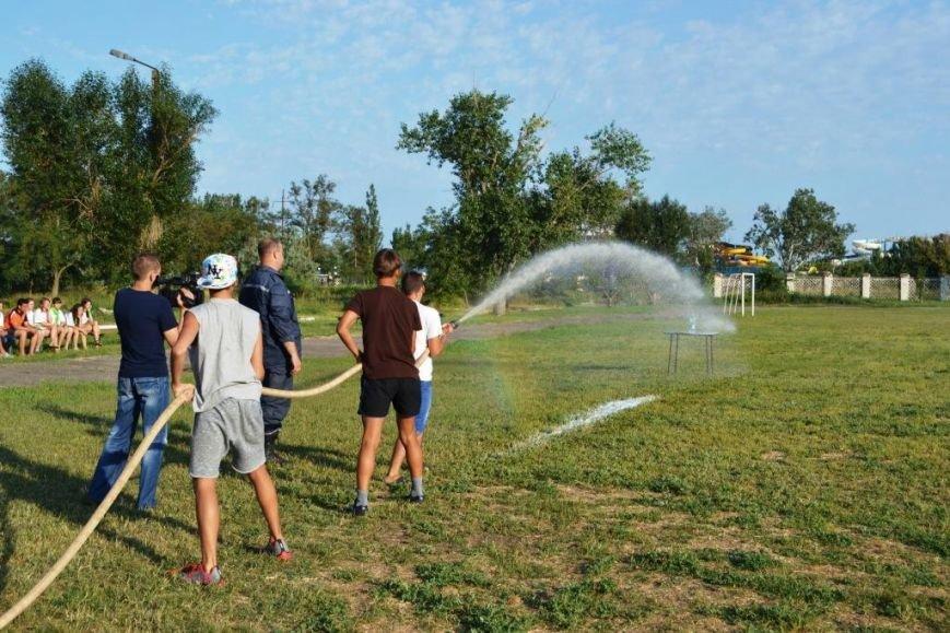 ФОТОРЕПОРТАЖ: запорожские дети спасали друг дружку и упражнялись на точность с пожарным гидрантом, фото-4