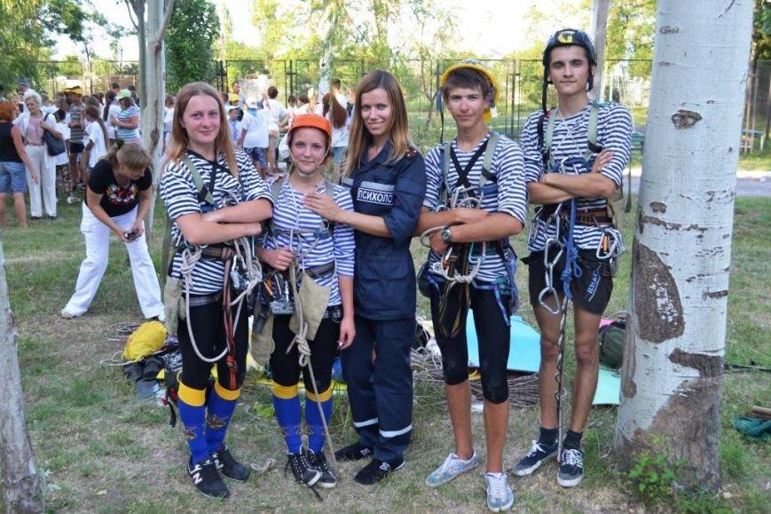 ФОТОРЕПОРТАЖ: запорожские дети спасали друг дружку и упражнялись на точность с пожарным гидрантом, фото-7