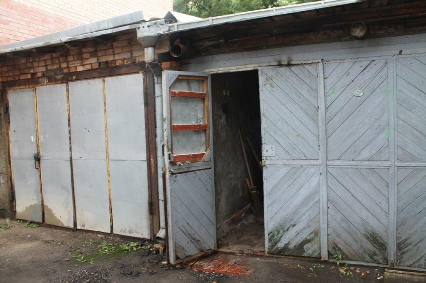 В Артемовской прокуратуре обнаружили две комнаты, в которых держали пленных, фото-2