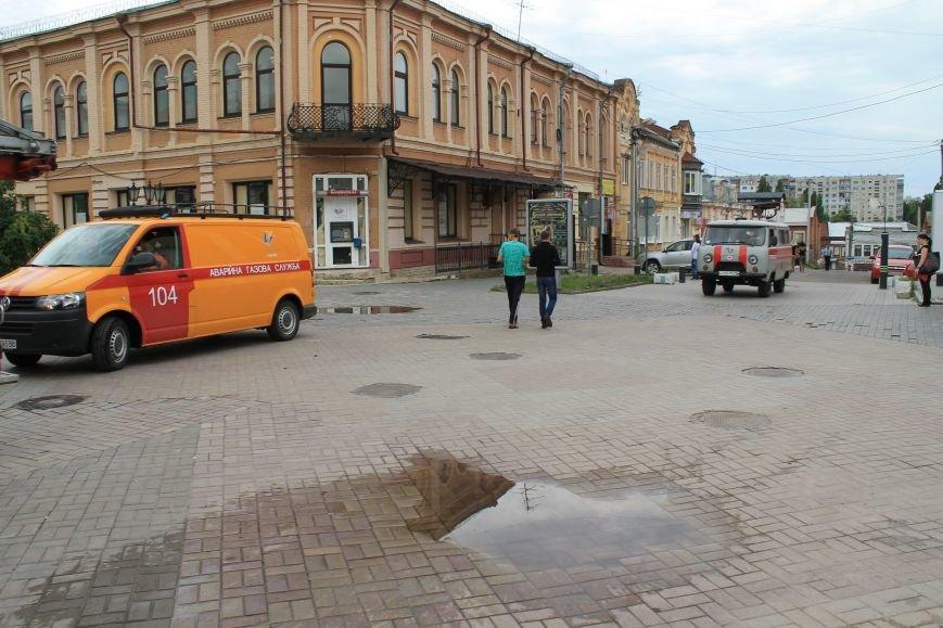 В центре Сум душевнобольной угрожал взорвать дом (ФОТО), фото-2