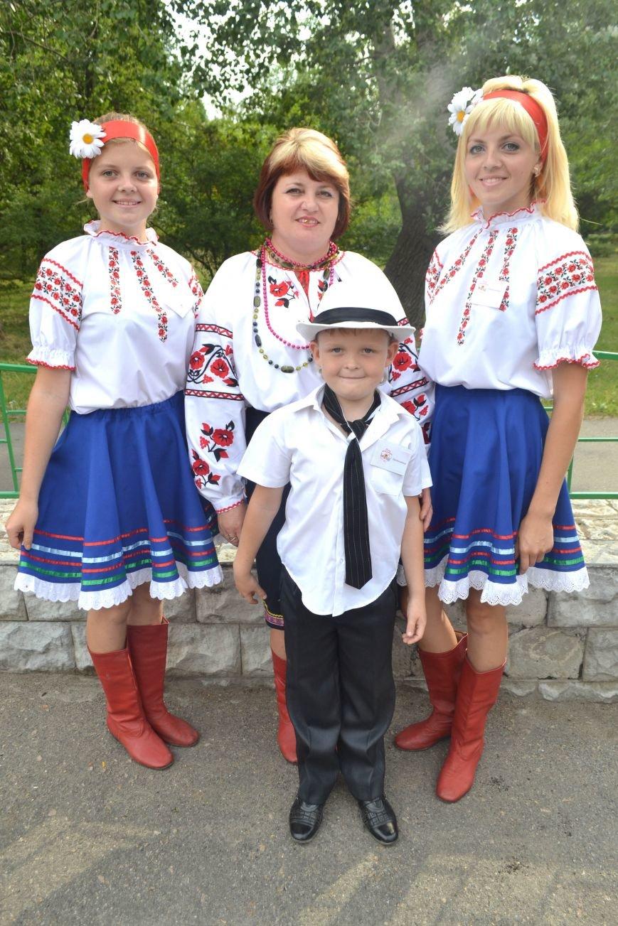 В Запорожье на фестивале семейные коллективы спели свои любимые песни (ФОТО), фото-13