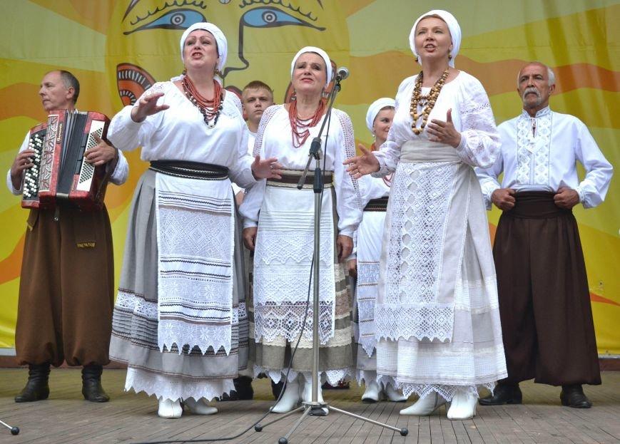 В Запорожье на фестивале семейные коллективы спели свои любимые песни (ФОТО), фото-28
