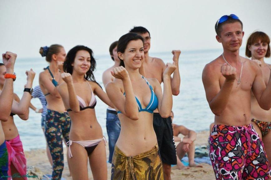 На пляже Мариуполя устроили танцевальную феерию (ФОТО), фото-4