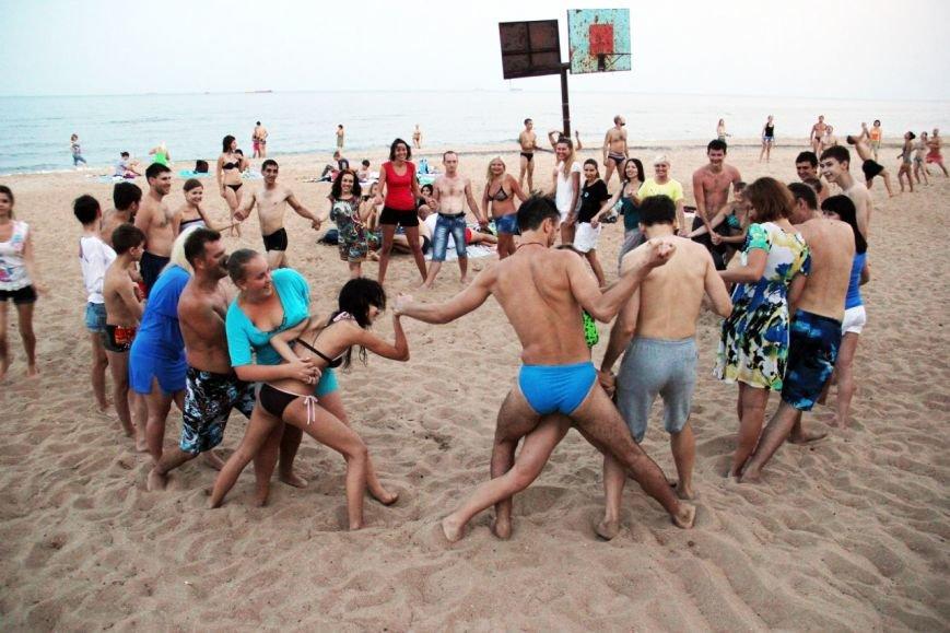 На пляже Мариуполя устроили танцевальную феерию (ФОТО), фото-7