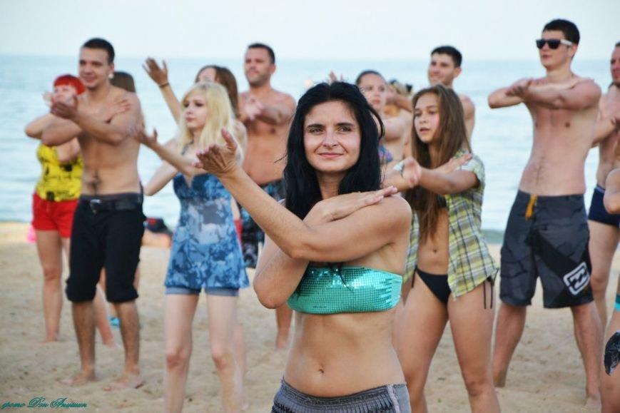На пляже Мариуполя устроили танцевальную феерию (ФОТО), фото-8