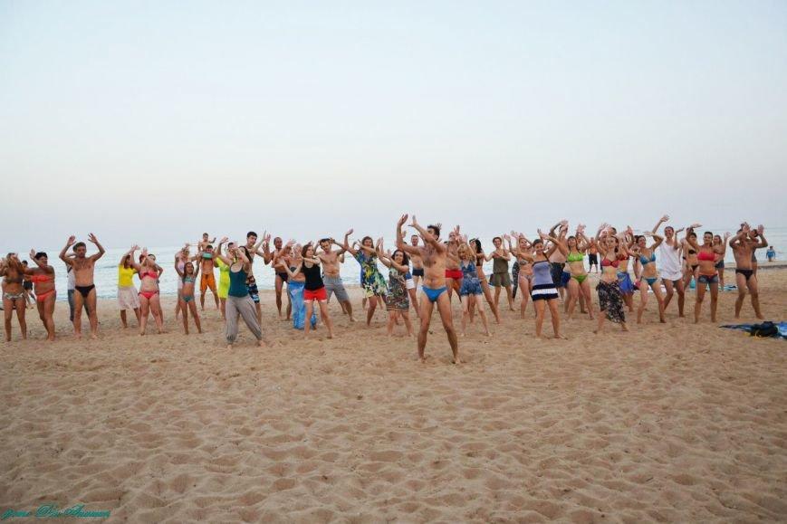 На пляже Мариуполя устроили танцевальную феерию (ФОТО), фото-3