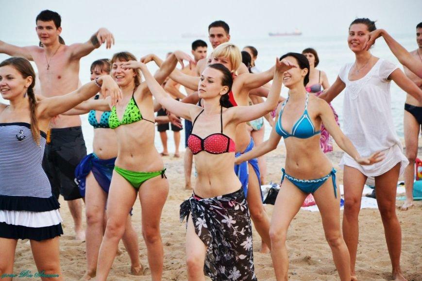 На пляже Мариуполя устроили танцевальную феерию (ФОТО), фото-2