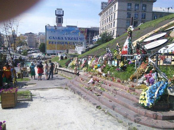 Король: На Майдане разбирали баррикады из-за неприятного запаха (ФОТО), фото-3