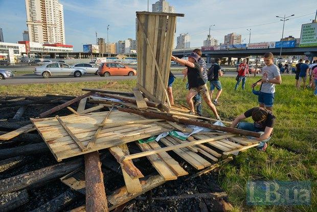 В Киеве активисты облили зеленкой замначальника Дарницкой милиции (ФОТО), фото-4