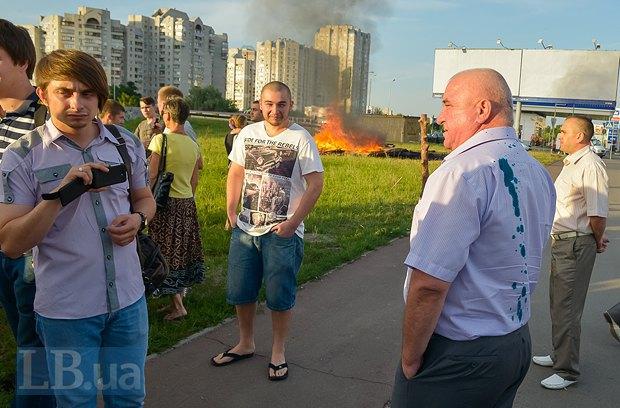 В Киеве активисты облили зеленкой замначальника Дарницкой милиции (ФОТО), фото-10