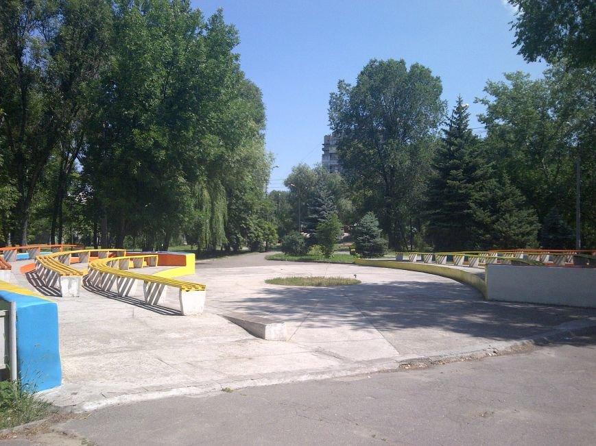 ФОТОФАКТ: Запорожская «Дубовка» преобразилась - отремонтированные скамейки и рисунки в патриотических тонах, фото-4