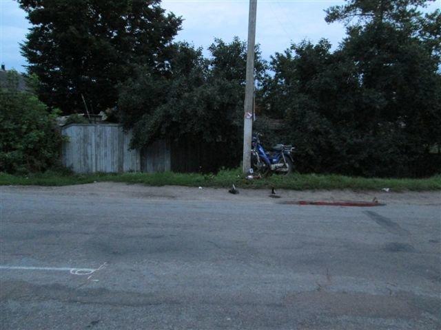 На Сумщине мопед врезался в столб: водитель мертв, пассажир в больнице, фото-3