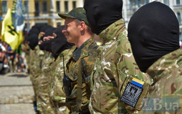 В Киеве в зону АТО провожали новобранцев батальона «Азов» (ФОТО), фото-4