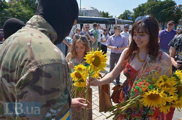 В Киеве в зону АТО провожали новобранцев батальона «Азов» (ФОТО), фото-9