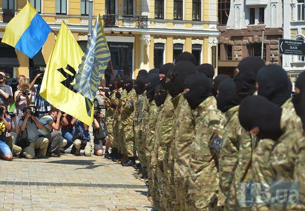 В Киеве в зону АТО провожали новобранцев батальона «Азов» (ФОТО), фото-3