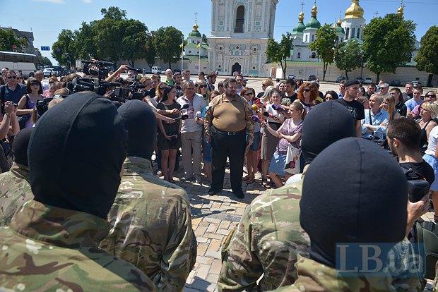 В Киеве в зону АТО провожали новобранцев батальона «Азов» (ФОТО), фото-6