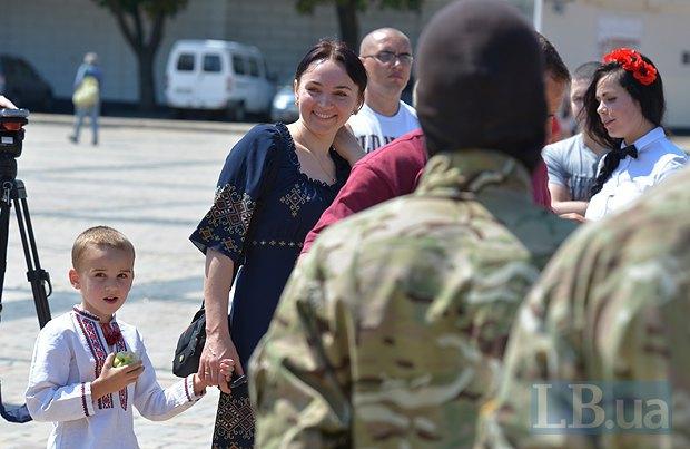 В Киеве в зону АТО провожали новобранцев батальона «Азов» (ФОТО), фото-8