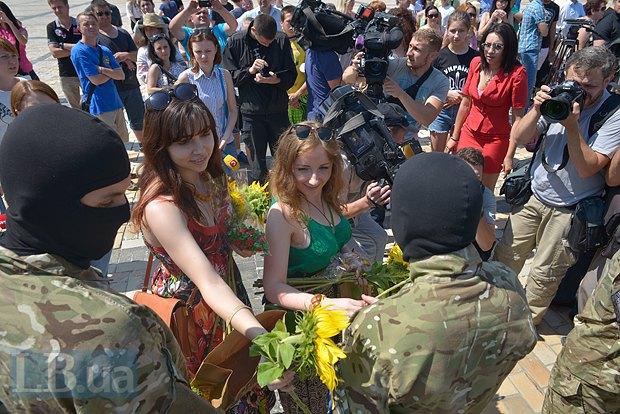 В Киеве в зону АТО провожали новобранцев батальона «Азов» (ФОТО), фото-11
