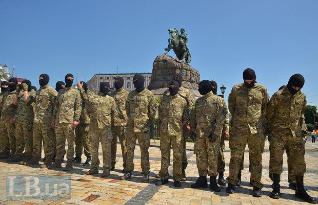 В Киеве в зону АТО провожали новобранцев батальона «Азов» (ФОТО), фото-2