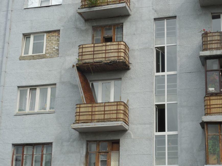 На Архитектора Бекетова часть балконного перекрытия упала прямо к соседям снизу, фото-10