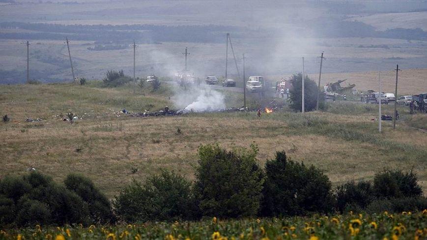 На месте авиакатастрофы пассажирского «Боинга» на Донетчине уже обнаружили тела 121 погибшего (ВИДЕО+ФОТО), фото-8