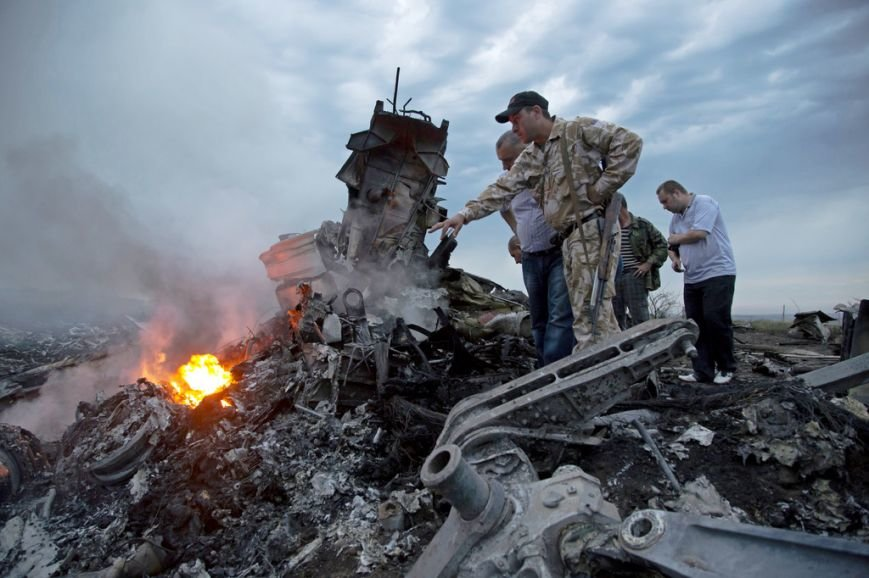 На місці авіакатастрофи знайшли тіла 121 пасажира. Бойовики перешкоджають роботі мнсників (фоторепортаж), фото-11