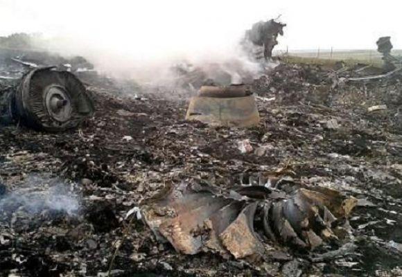 На місці авіакатастрофи знайшли тіла 121 пасажира. Бойовики перешкоджають роботі мнсників (фоторепортаж), фото-13